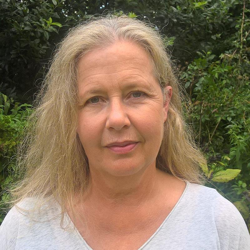 Caroline Ivay Therapist